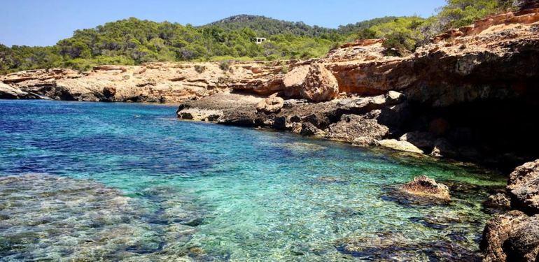 Tourifreie Zone – Entdecke die TOP 5 Geheimstrände auf Ibiza!