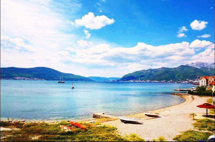 Der wunderschöne Belane Strand in Montenegro