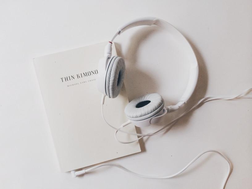 Podcasts oder Hörbücher hören