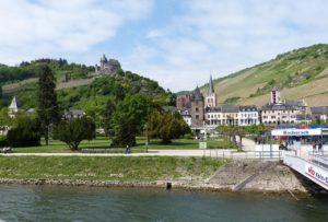 Burg Stahleck in Wasser