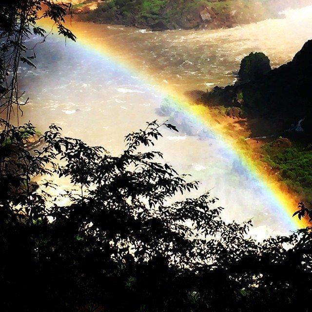 Ein Regenbogen in Iguazú
