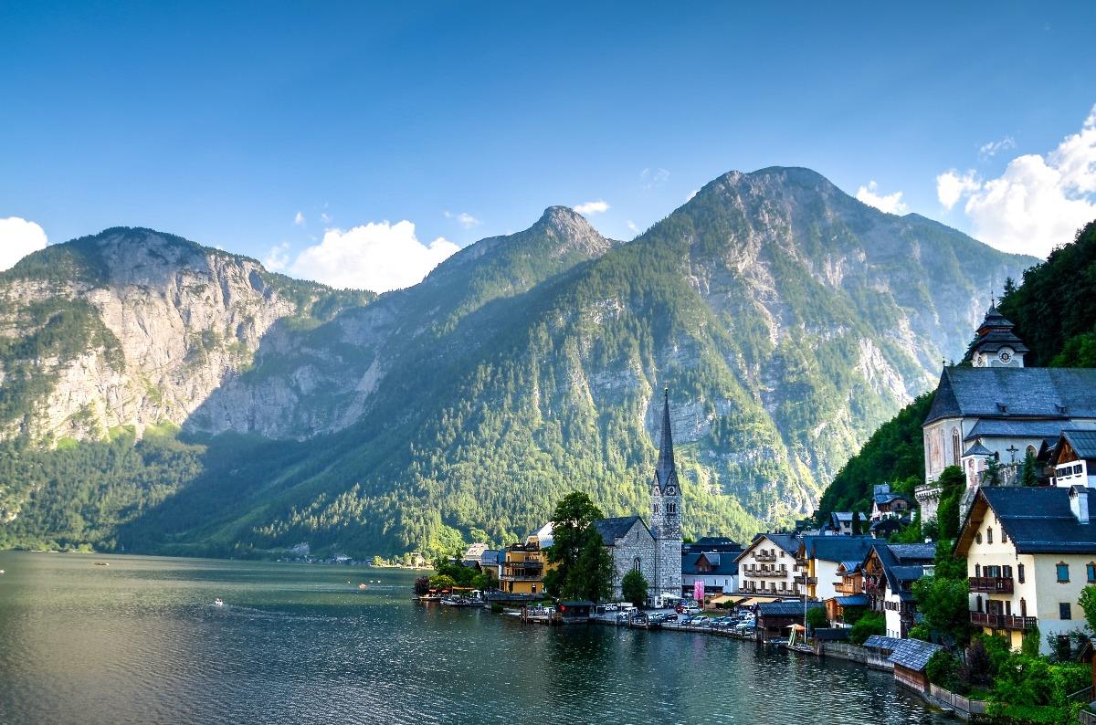 Europa-Staedtetrip-Kurzurlaub-Berge-See
