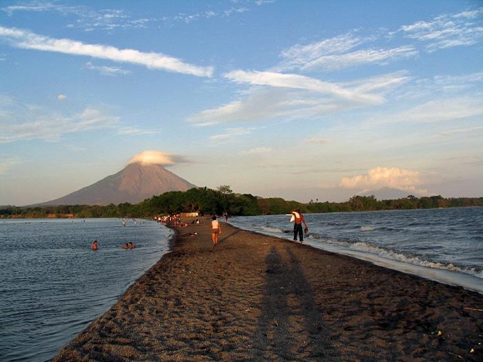 Backapcing in Isla de Ometepe, Nicaragua