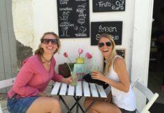 Feli und Angela in Tarifa beim Mittag