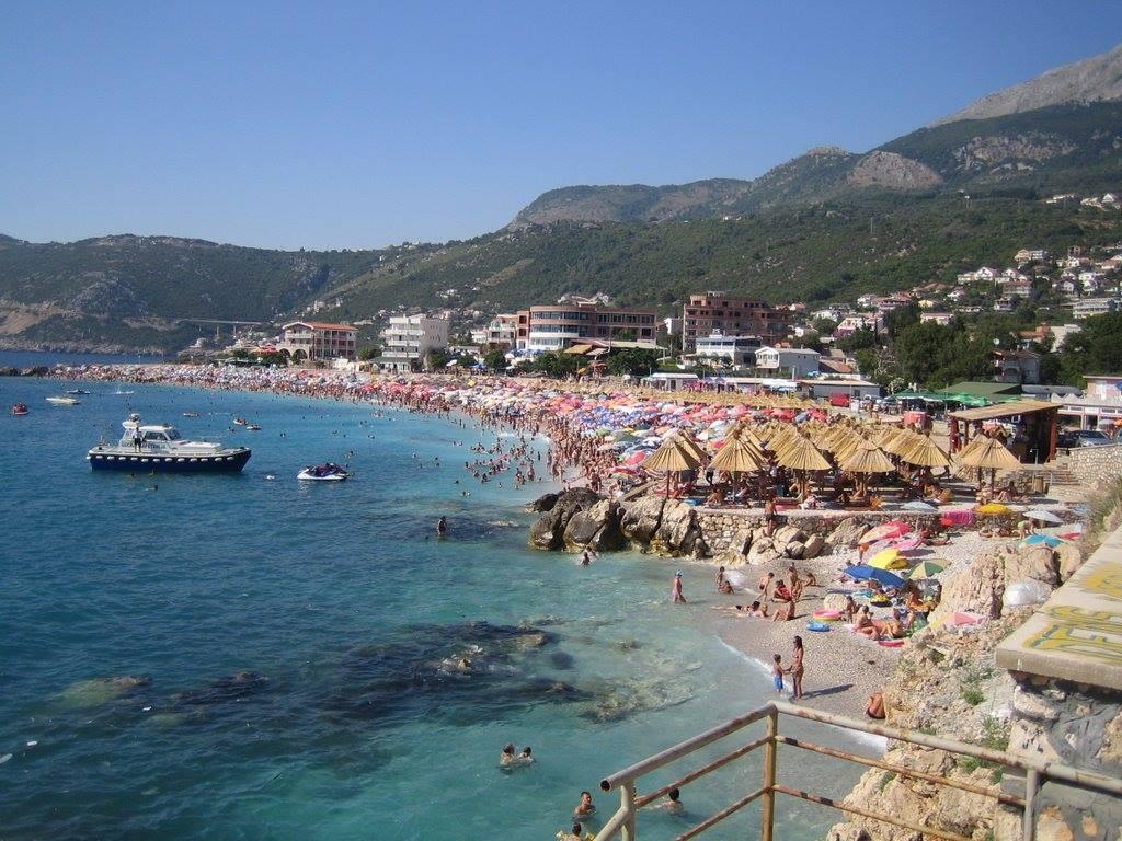 Strand Veliki Pijesak, am Meer in Montenegro
