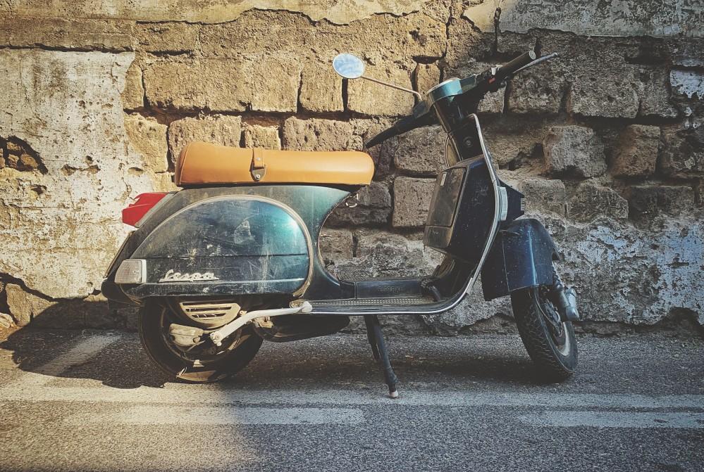 Vespa, Italien Transport für Backpackers