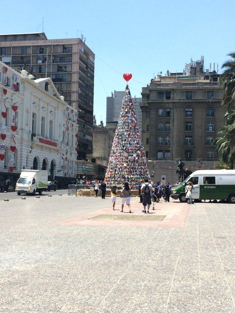 Weihnachtsbaum Santiago Plaza de Armas
