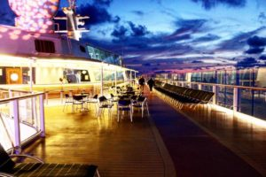 Nacht_Kreuzfahrtschiff
