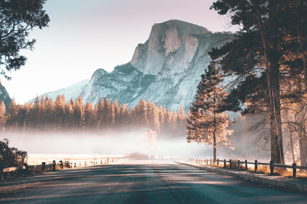 Half Dome ein wirklich hoher Berg im Yosemite-Natonalpark
