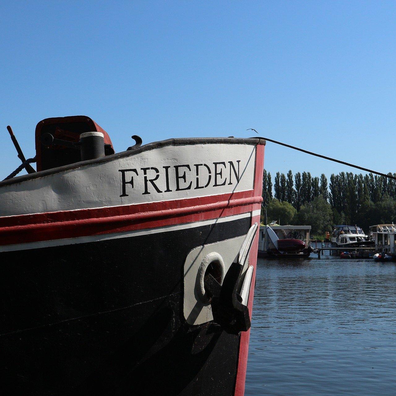 On tour mit dem Hausboot. Entspannung pur!