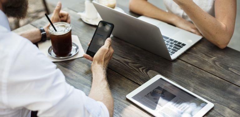 Mit der freenet Hotspot-Flatrate weltweit mobil  – die ultimative App für Vielreisende im Test