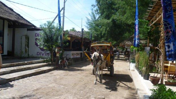 streets-of-gili-trawangan